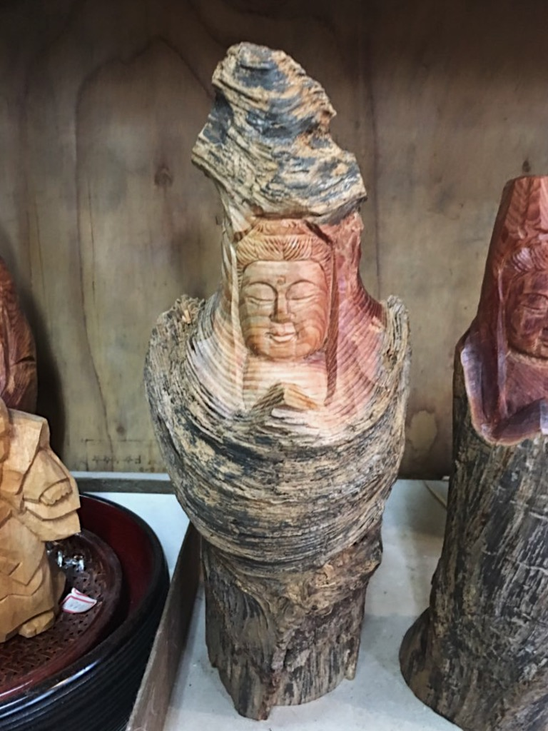 Sanuki Itto-bori carving